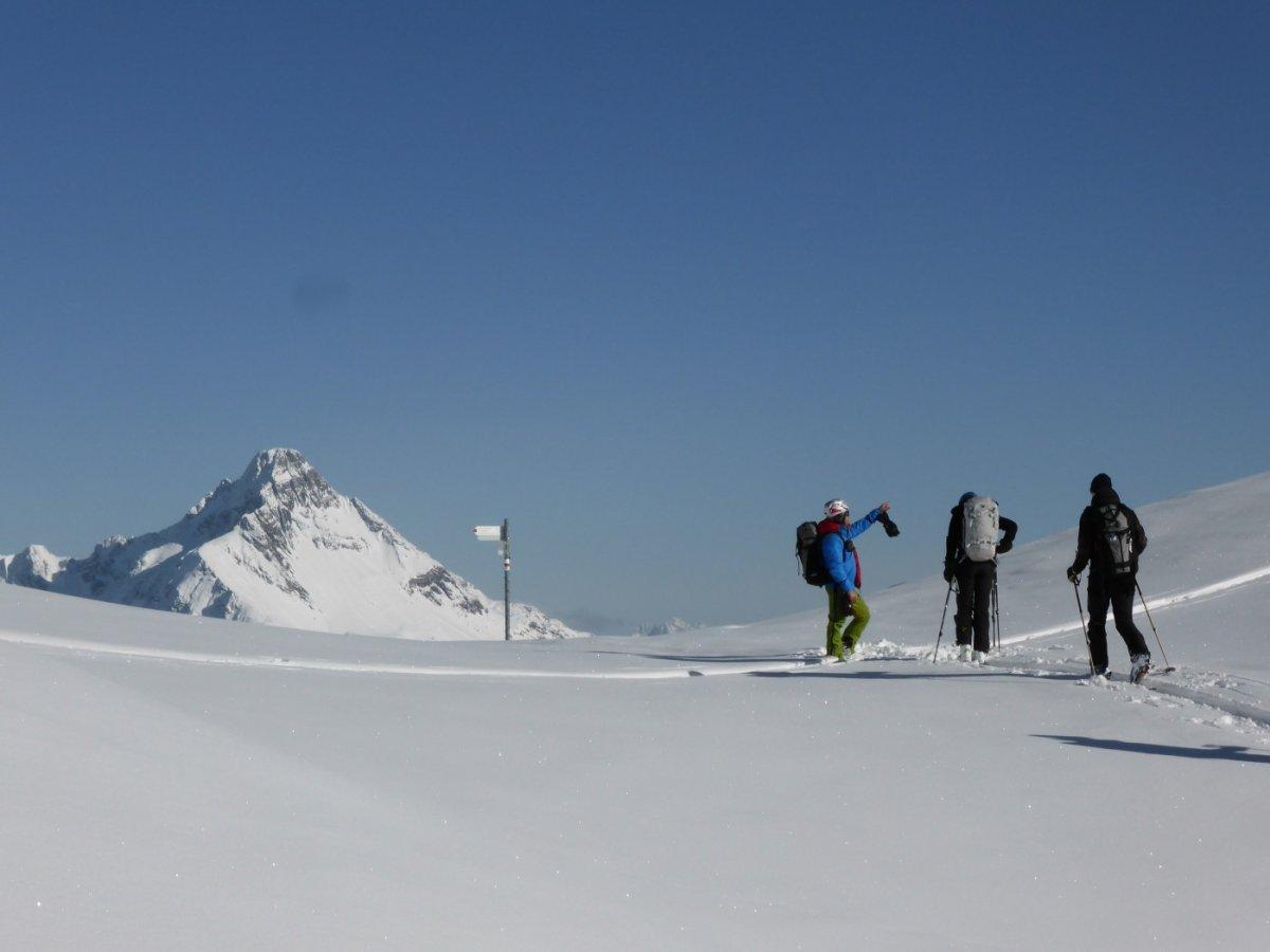 1. Tag - Am Hochalppass (1.938 m) mit Blick auf den Biberkopf (2.599 m), den südlichsten Gipfel Deutschlands