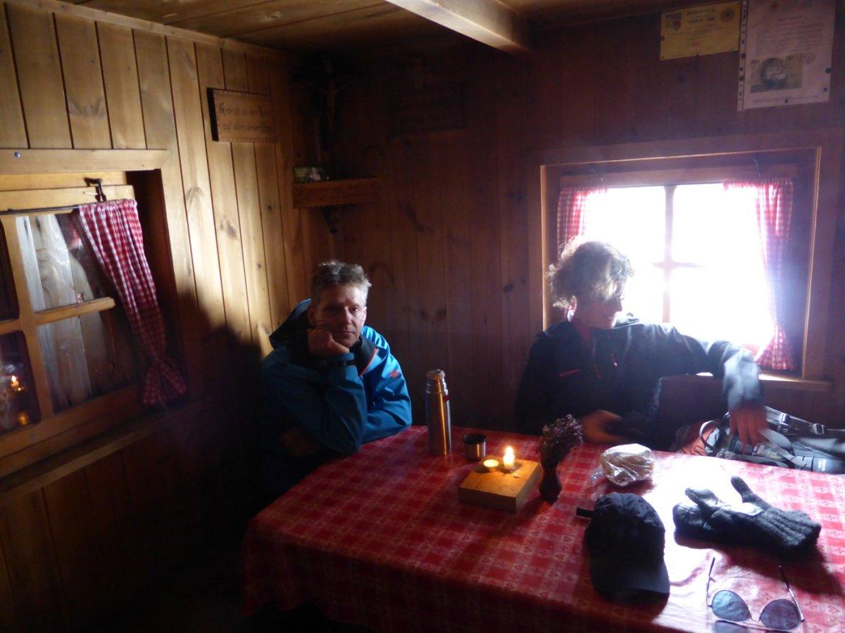 6. Tag - Zeit für eine Pause in der kleinen Jöchl-Hütte