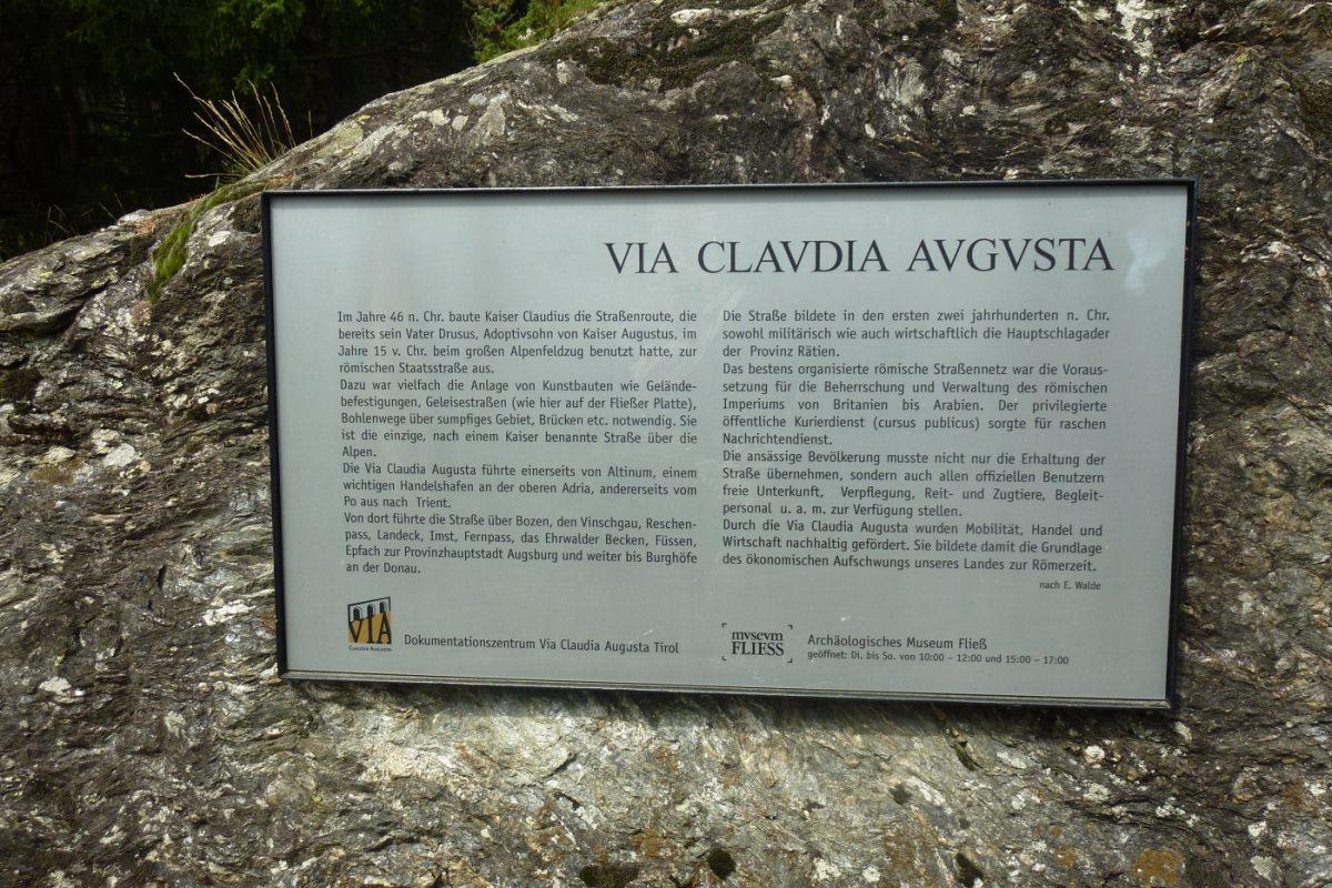 3. Tag - Anschließend fahren wir mit dem Taxi nach Landeck und wandern weiter auf der Via Claudia Augusta nach Flies im Inntal