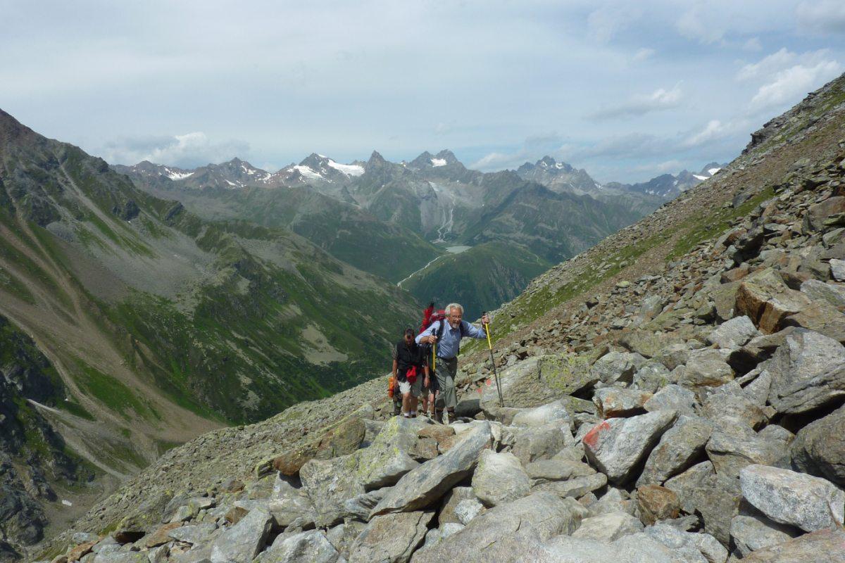 4. Tag - Der Aufstieg ist schweißtreibend, aber mit jedem Höhenmeter wird der Blick auf die Pitztaler Gipfel grandioser