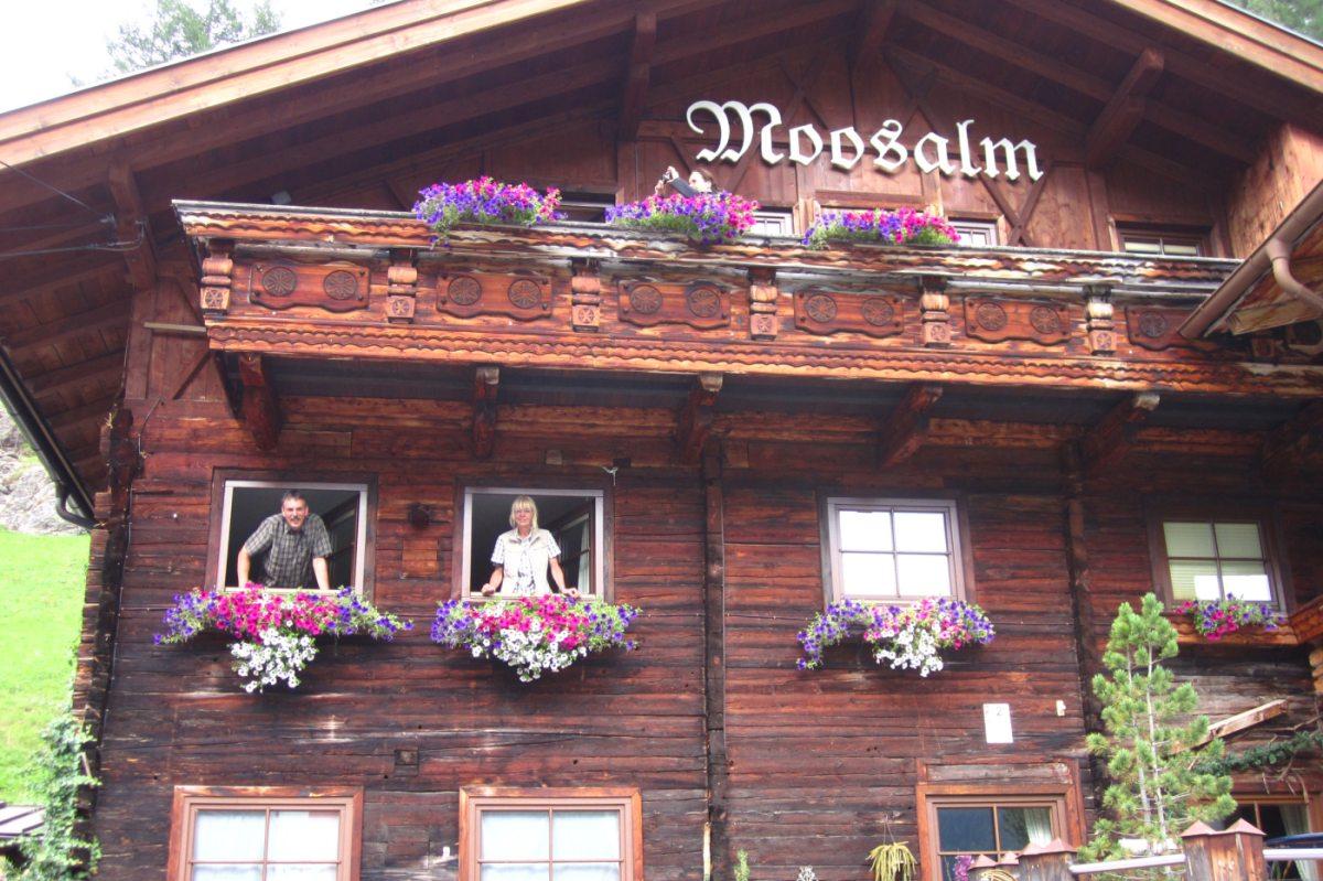 4. Tag - Die urige Moosalm mit Schwimmbad und Sauna ist unsere heutige Unterkunft im Ötztal