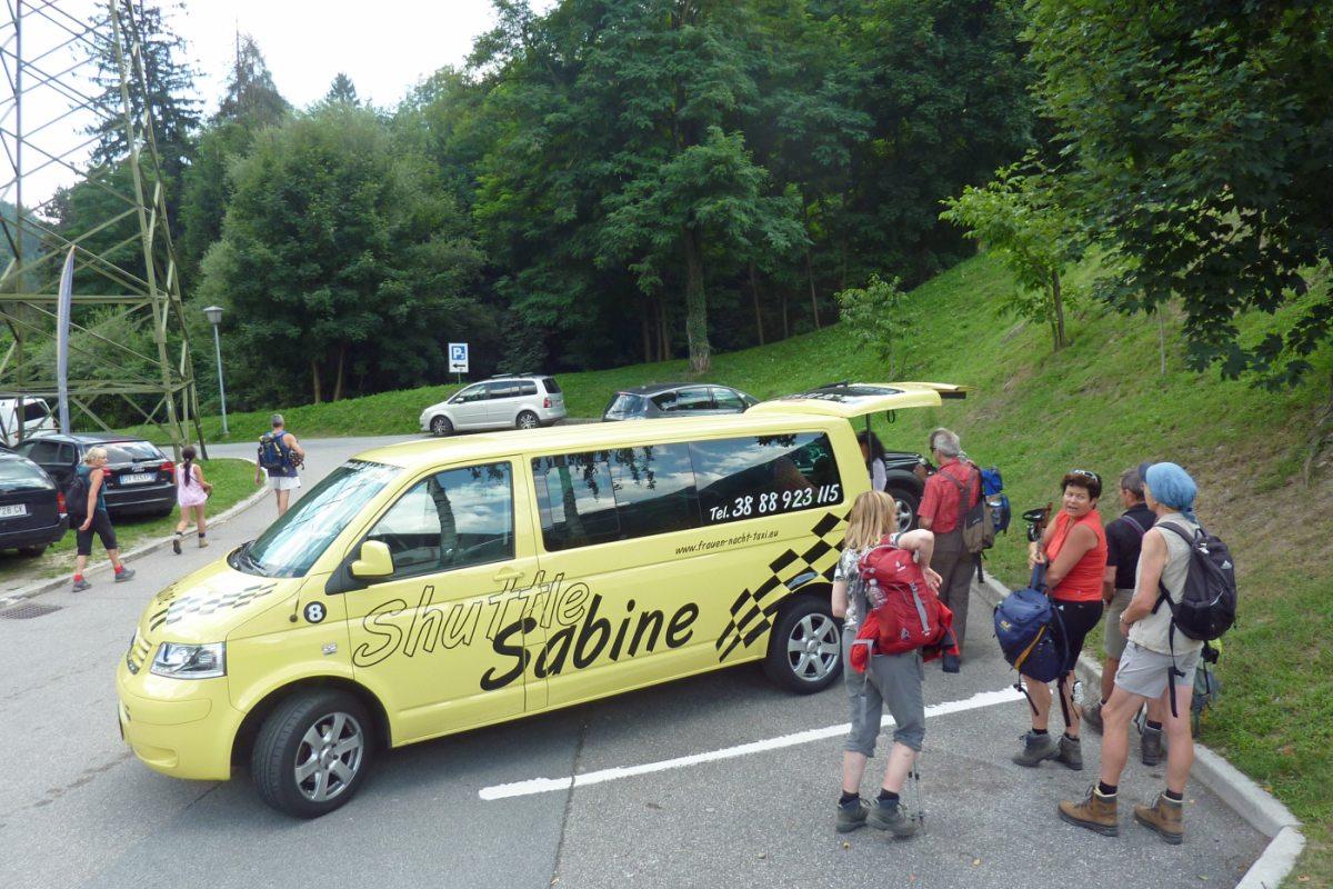 6. Tag - Mit dem Taxi Sabine geht es gelenkschonend nach Meran, wo wir im Hotel Siegler im Thurm übernachten