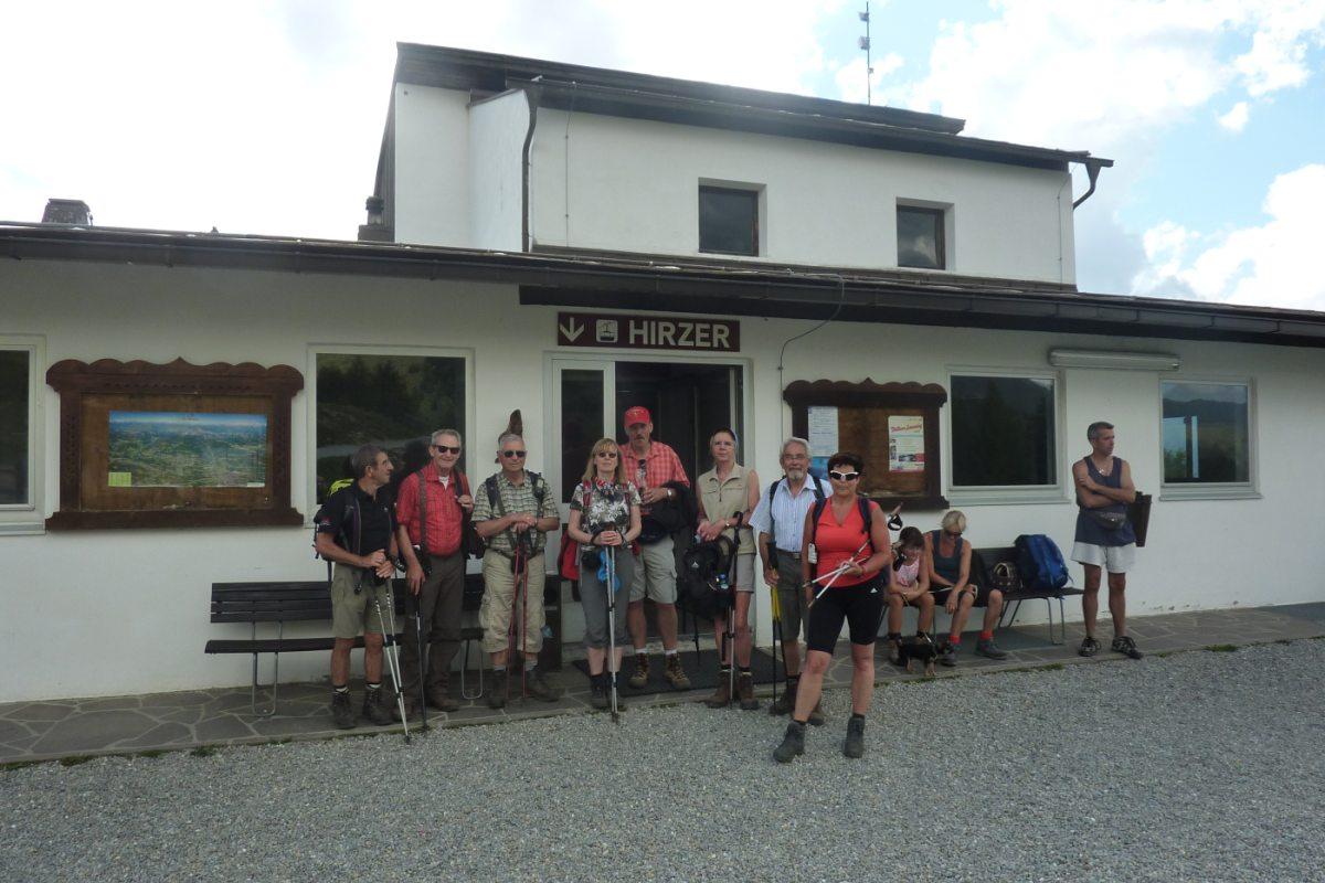 6. Tag - Nach einer wunderschönen Tagesetappe fahren wir mit der Hirzer Seilbahn hinunter nach Saltaus ins Passeiertal