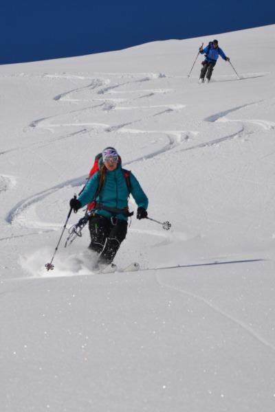 Abfahrt auf der Skiroute Hoch-Tirol