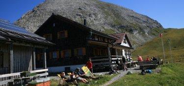 3. Tag - Das malerisch gelegene Kaiserjochhaus auf 2.310 m