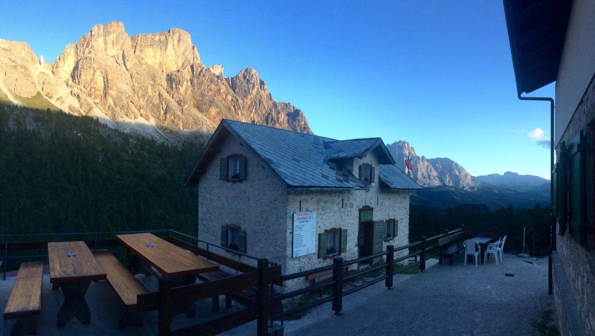 Dolomiten Höhenweg 2 Regensburger Hütte