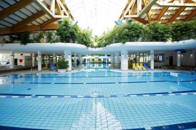 Erlebnisbad Aquaria mit großer Saunalandschaft