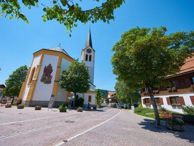 Oberstaufen-Blick auf Kirche