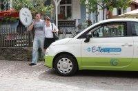 Mit den umweltfreundlichen Elektroautos lässt sich die Gegend um Oberstaufen bestens erkunden.