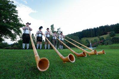 Alphornspielen gehört zur Allgäuer Tradition