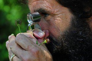 Entdecke die Wunder der Natur mit Wanderführer Theo