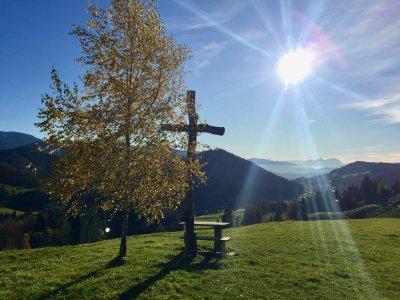 Herbstlicher Blick auf Oberstaufen und Säntis