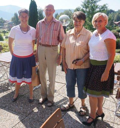 Gisela und Siegfried Saalfrank aus Schauenstein mit Beate und Claudia von der OTM
