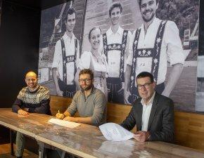 Auto Eder Gruppe unterstützt die WM mit Kleinbussen