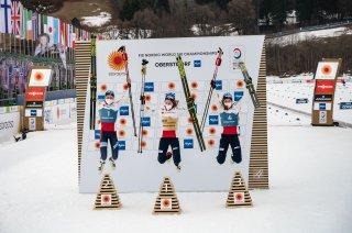 World champion Gyda WESTVOLD HANSEN (NOR, center), 2nd Rank Mari LEINAN LUND (NOR, l.), 3rd Rank Marte Leinan LUND (NOR, r.)