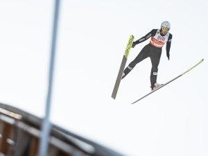 Espen BJOERNSTAD (NOR) competes in the Team Gundersen NH/4x5km