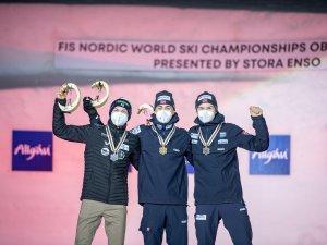 World Champion Jarl Magnus RIIBER (NOR, c.), 2nd Ilkka HEROLA (FIN,l.), 3rd Jens Luraas OFTEBRO (NOR,r.)