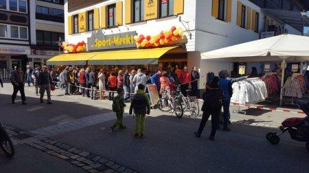 Fruehlingshaftes Oberstdorf Sportmarkt