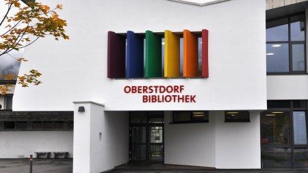 Gebäude/Eingang