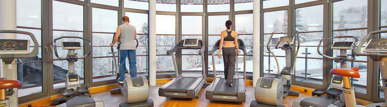 Panorama-Fitnessraum im Hotel Oberstdorf