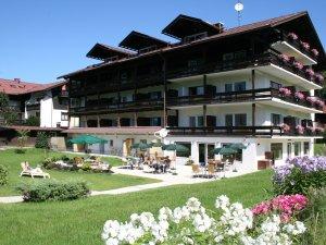 Das Hotel garni Kappeler-Haus im Sommer