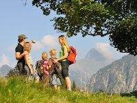 Familie beim Wandern (c) Photographie Monschau