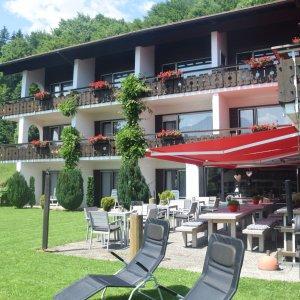 Hotel Tannhof im Sommer