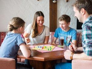 Spielenachmittag im Hotel Tannhof