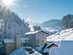 Oberstdorf Hostel im Schnee