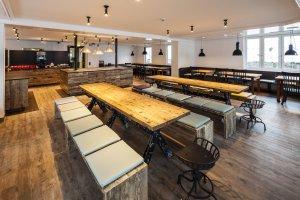 Großzügiger und moderner Speisesaal
