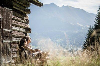 Entspannung vor der Hütte