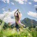 Yoga in den Wiesen