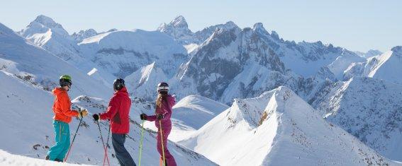 Skifahren auf frisch präparierten Pisten