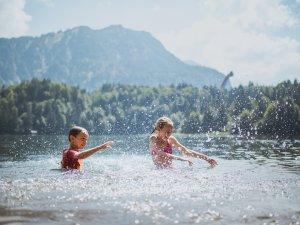 Nasse Abkühlung im See