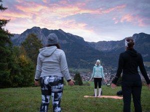 Sonnenaufgangs Yoga