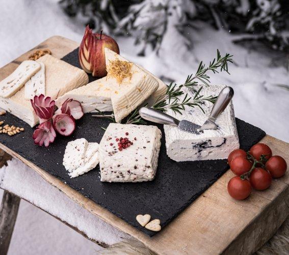 Brotzeit im Schnee