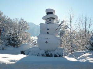 Ein Schneemann vor der Haustüre :)
