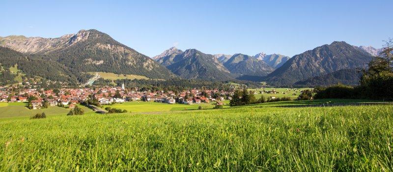 Idyllisch gelegen am Fuße der Alpen