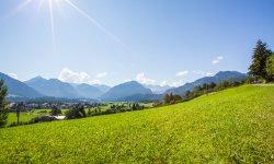 Die Sonne scheint in Oberstdorf im Sommer