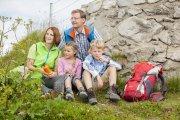 Gemütliche Rast mit der ganzen Familie am Nebelhorn