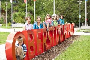 Der Kurpark als Treffpunkt in Oberstdorf