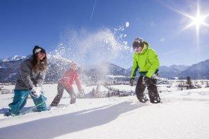 Schneegaudi mit Freunden