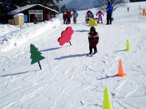 Mit Spaß und Action das Skifahren lernen