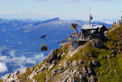 Die Nebelhorn-Gipfelstation mit Blick auf den hohen Ifen