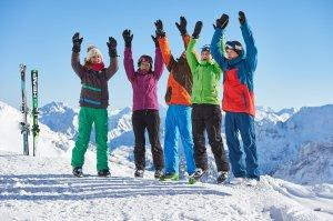 Schneespaß mit Freunden