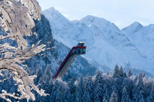 Die imposante Skiflugschanze in Oberstdorf