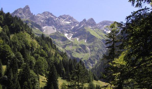 Blick auf Hochfrottspitze, Mädelegabel, Trettachspitze