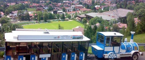 Der Alpenexpress hoch über Oberstdorf