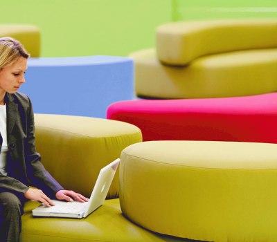 Entspannt arbeiten in moderner Atmosphäre