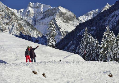 Winterwanderer vor Schneck